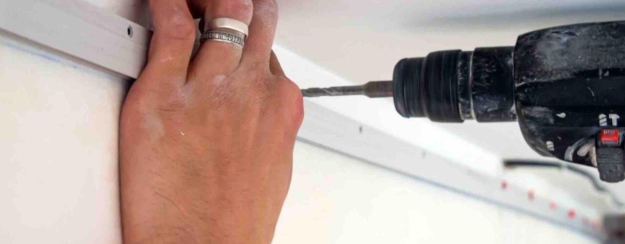 Kaip yra montuojamos įtempiamos lubos